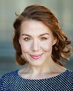 Actor Headshots Laura Bloom