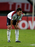 Fotball<br /> 04.09.2004<br /> Foto:SBI/Digitalsport<br /> NORWAY ONLY<br /> <br /> Østerrike v England<br /> World Cup Qualifier<br /> <br /> England's John Terry wonders where it all went wrong.