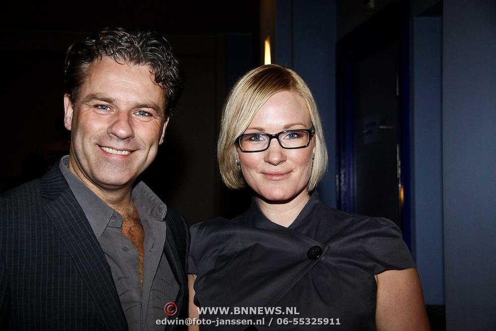 """NLD/Haarlem/20100308 - Première toneelstuk """" Als De Dood """", Rein Kolpa en partner Wieneke Remmers"""