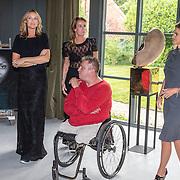 NLD/Naarden/20160520 -  Opening expositie Layer van Micky Hoogendijk, Judith Wiersma en Lolo Loren, kunstenaar Rob Scholten  en ex partner Micky Hoogendijk, Lolo en Judith