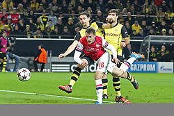 06.11.2013, Signal Iduna Park, Dortumd, GER, UEFA CL, Borussia Dortmund vs FC Arsenal, Gruppe F, im Bild Aaron Ramsey #16 (Arsenal FC) mit dem Fuehrungs Kopfball Treffer, Tor zum 1:0, Neven Subotic #4 (Borussia Dortmund), Sokratis #25 (Borussia Dortmund) kommen zu spaet, Aktion, Action<br /> <br /> Aaron Ramsey #16 (Arsenal FC) scoring with, header for the lead // UEFA Champions League group A match between Borussia Dortmund and Arsenal FC at the Signal Iduna Park in Dortumd, Germany on 2013/11/06. EXPA Pictures © 2013, PhotoCredit: EXPA/ Eibner-Pressefoto/ Schueler<br /> <br /> *****ATTENTION - OUT of GER*****