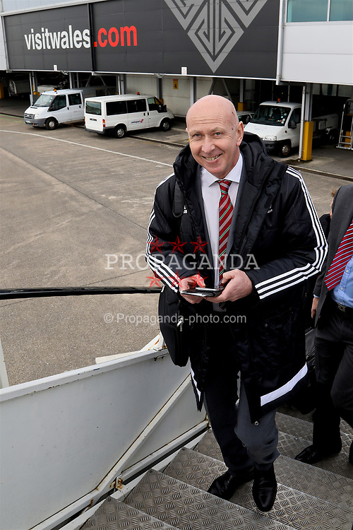 CARDIFF, WALES - Thursday, March 23, 2017: Wales' head of pubic affairs Ian Gwyn Hughes boards the team plane as the squad depart Cardiff Airport to fly to Dublin ahead of the 2018 FIFA World Cup Qualifying Group D match against Republic of Ireland. (Pic by David Rawcliffe/Propaganda)