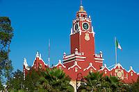 Mexique, Etat de Yucatan, Merida, capitale du Yucatan, Place de independance, Palais Municipal // Mexico, Yucatan state, Merida, the capital of Yucatan, square of independence, municipal palace