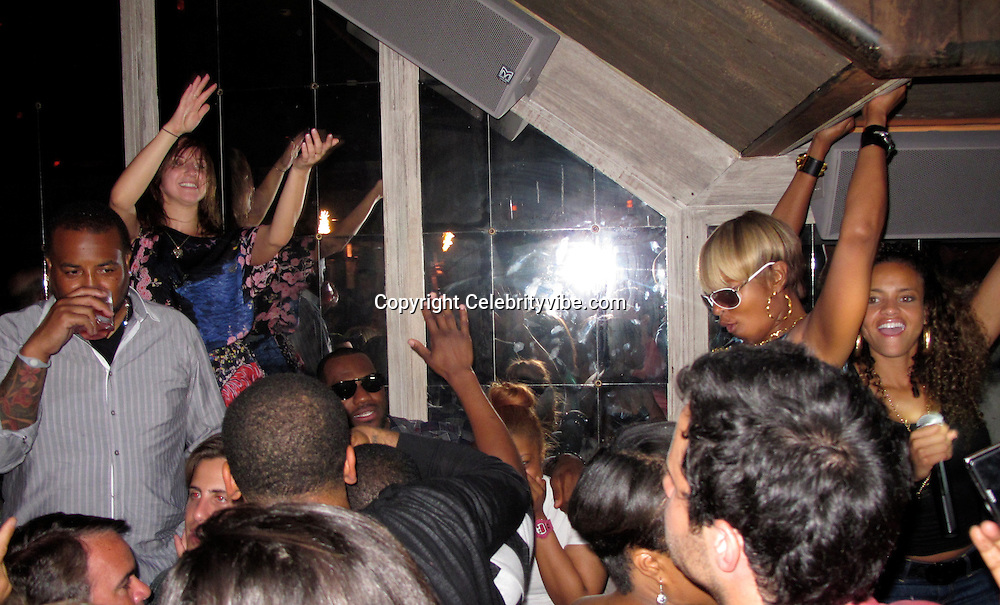 **EXCLUSIVE**.LeBron James, Jeremy Pivens and Mary J. Blige..LeBron James celebrating his Free Agent Status with his celebrity friends..Avenue Nightclub..New York, NY, USA..Thursday, June 24, 2010..Photo ByiSnaper App/ CelebrityVibe.com.To license this image please call (212) 410 5354; or Email:CelebrityVibe@gmail.com ;.website: www.CelebrityVibe.com.