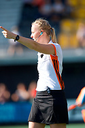 EINDHOVEN - 2017 Hoofdklasse dames<br /> Den Bosch v Laren<br /> Foto: Umpire Sophie Bockelmans.<br /> WORLDSPORTPICS COPYRIGHT FRANK UIJLENBROEK