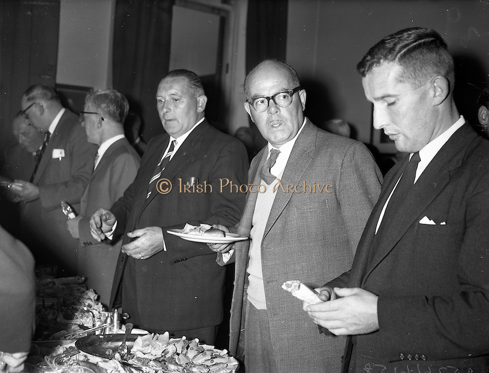 28/09/1960<br /> 09/28/1960<br /> 28 September 1960<br /> Luncheon at Gilbey's Wine Merchants, Nos. 46-49 O'Connell St., Dublin.<br /> (r-l): Mr G Cairnduff; Mr G. Ormrod and H. Rothwell