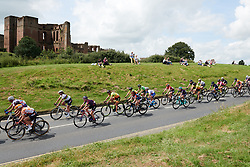 The peloton speed past Kenilworth Castle at OVO Energy Women's Tour 2018 - Stage 3, a 151 km road race from Atherstone to Leamington Spa, United Kingdom on June 15, 2018. Photo by Sean Robinson/velofocus.com