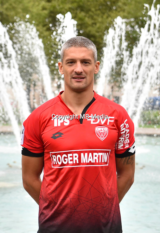 Cedric Varrault during the official photocall of Dijon Fco in Dijon on September 5th, 2016<br /> Photo : Vincent Poyer / Icon Sport