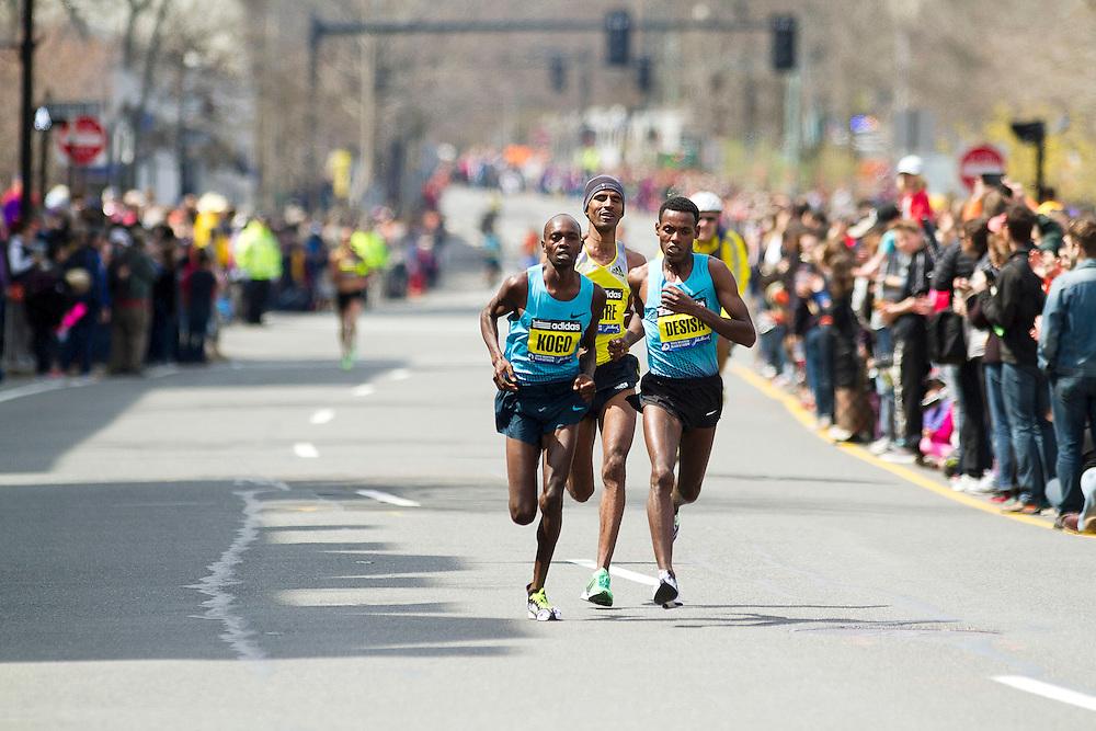 2013 Boston Marathon: lead pack Kogo, Gebremariam, Desisa