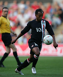 SWANSEA, WALES - WEDNESDAY, AUGUST 17th, 2005: Wales' Robert Earnshaw in action against Slovenia during the International Friendly match at the New Stadium. (Pic by David Rawcliffe/Propaganda)