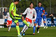 21.09.2017; Niederhasli; FUSSBALL U16 - Schweiz - Italien;<br /> Torhueter Simone Tononi (ITA) Jonathan De Donno (SUI) Raffaele Spino (ITA) <br /> (Andy Mueller/freshfocus)