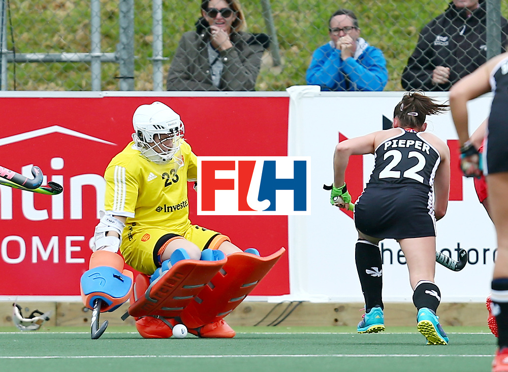 New Zealand, Auckland - 18/11/17  <br /> Sentinel Homes Women&rsquo;s Hockey World League Final<br /> Harbour Hockey Stadium<br /> Copyrigth: Worldsportpics, Rodrigo Jaramillo<br /> Match ID: 10293 - ENG vs GER<br /> Photo: (22) PIEPER Cecile attack (23) TENNANT Amy (GK)