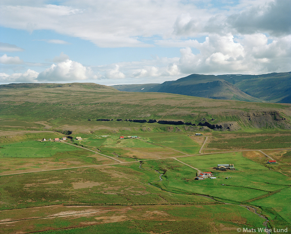 Skarð, Geirmundastaðir og Prestbakki séð til austurs, Dalabyggð áður Skarðshreppur / Skard, Geirmundastadir and Prestbakki viewing east, Dalabyggd former Skardshreppur