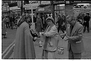 08/12/1977.12/08/1977.8th December 1977.Photograph of Maureen Potter & Danny Cummins collecting money for Concern at St Stephens Green.
