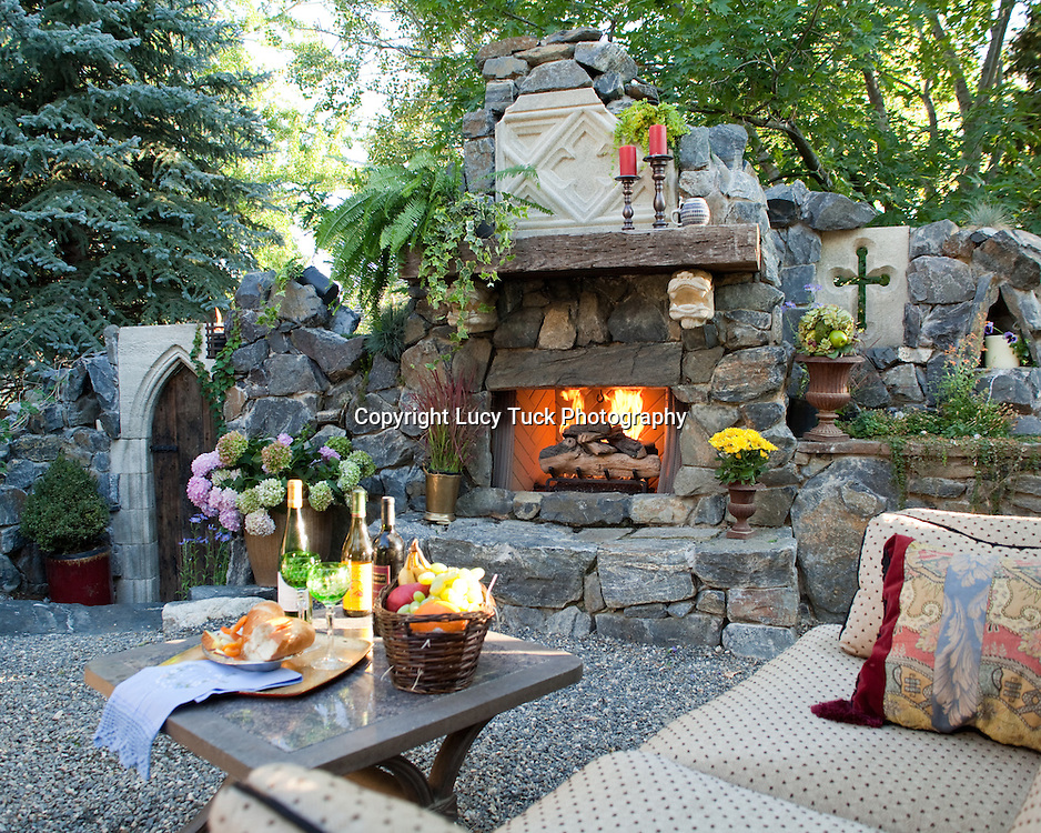 Web images for an award winning landscape design company, Boulder.  Pictures for a landscape design company's portfolio.  Web images for a landscaper.  Pictures of beautiful outdoor living space;