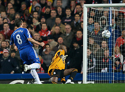 LONDON, ENGLAND - Wednesday, December 19, 2007: Liverpool's goalkeeper Charles Itandje saves from Chelsea's Frank Lampard during the League Cup Quarter Final match at Stamford Bridge. (Photo by David Rawcliffe/Propaganda)