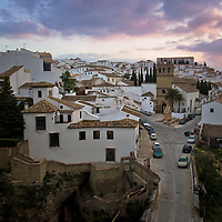 Ronda is situated in a mountainous area about 2000 ft above sea level. The city is divided by 350 ft deep El Tajo canyon giving it one of it's most spectacular sites.