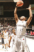 DESCRIZIONE : Bologna Lega A1 2008-09 La Fortezza Virtus Bologna Premiata Montegranaro<br /> GIOCATORE : Keith Langford<br /> SQUADRA : La Fortezza Virtus Bologna<br /> EVENTO : Campionato Lega A1 2008-2009 <br /> GARA : La Fortezza Virtus Bologna Premiata Montegranaro <br /> DATA : 10/01/2009 <br /> CATEGORIA : rimbalzo<br /> SPORT : Pallacanestro <br /> AUTORE : Agenzia Ciamillo-Castoria/M.Marchi