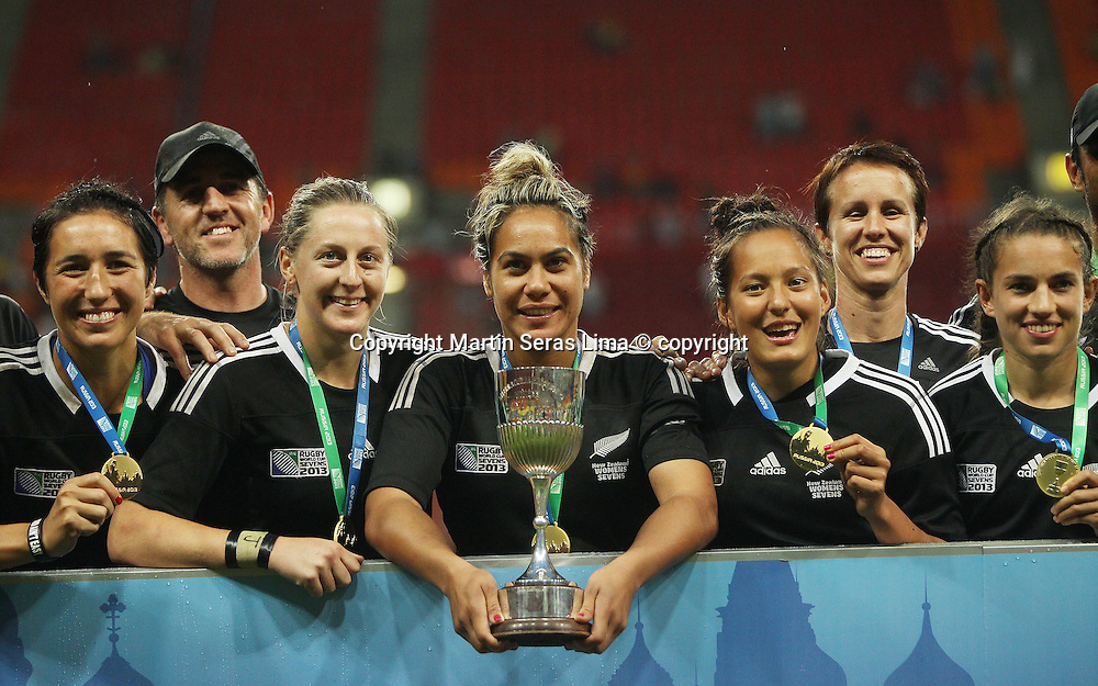 Winning women's team New Zealand, IRB - Luzhkniki Stadium - Rugby World Cup Sevens - Moscow Russia 2013 - Photo Martin Seras Lima