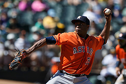 OAKLAND, CA - MAY 01: Tony Sipp #29 of the Houston Astros pitches against the Oakland Athletics during the eighth inning at the Oakland Coliseum on May 1, 2016 in Oakland, California. The Houston Astros defeated the Oakland Athletics 2-1. (Photo by Jason O. Watson/Getty Images) *** Local Caption *** Tony Sipp