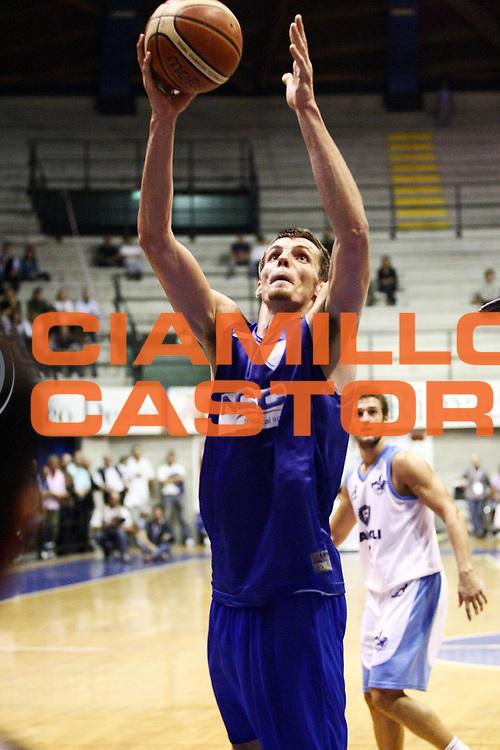 DESCRIZIONE : Desio Lega A 2009-10 Basket Trofeo Lombardia Vanoli Soresina NGC Cantu<br /> GIOCATORE : Benjamin Ortner<br /> SQUADRA : NGC Cantu<br /> EVENTO : Campionato Lega A 2009-2010 <br /> GARA : Vanoli Soresina NGC Cantu<br /> DATA : 19/09/2009<br /> CATEGORIA : Tiro<br /> SPORT : Pallacanestro <br /> AUTORE : Agenzia Ciamillo-Castoria/G.Cottini<br /> Galleria : Lega Basket A 2009-2010 <br /> Fotonotizia : Desio Lega A 2009-10 Basket Trofeo Lombardia Vanoli Soresina NGC Cantu<br /> Predefinita :