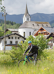 03.06.2015, Steinbergstadion, Leogang, AUT, U 21 EM, Vorbereitung Deutschland, im Bild auf den Fahrrad Trainer Horst Hrubesch (Deutschland U21) // during Trainingscamp of Team Germany for Preparation of the UEFA European Under 21 Championship at the Steinbergstadium in Leogang, Austria on 2015/06/03. EXPA Pictures © 2015, PhotoCredit: EXPA/ JFK
