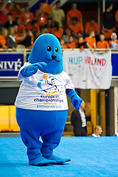 21-01-2012 WATERPOLO: EC NETHERLANDS - TURKEY: EINDHOVEN<br /> European Championships Netherlands - Turkey / Mascot<br /> (c)2012-FotoHoogendoorn.nl / Peter Schalk