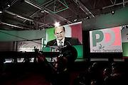 ROMA. SULLO SCHERMO PIERLUIGI BERSANI SEGRETARIO DEL PARTITO DEMOCRATICO DURANTE IL SUO DISCORSO ALL'ASSEMBLEA GENERALE