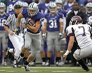 MANHATTAN, KS - SEPTEMBER 15:  Wide receiver Jordy Nelson #27 of the Kansas State Wildcats rushes up field after making a cactch past linebacker Sam Block #7 of the Missouri State Bears in the first quarter, during a NCAA football game on September 15, 2007 at Bill Snyder Family Stadium in Manhattan, Kansas.  (Photo by Peter Aiken/Getty Images) *** Local Caption *** Jordy Nelson; Sam Block