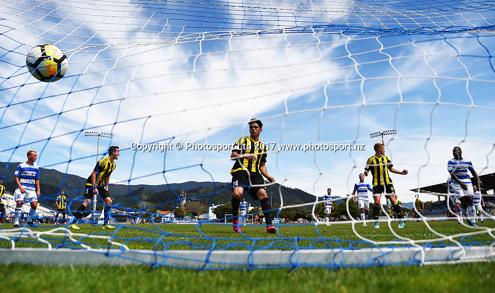 Phoenix team score a goal which is later disallowed during their ISPS Handa Premiership match Tasman Utd v Phoenix Res. Trafalgar Park, Nelson, New Zealand. Sunday 3 December 2017. ©Copyright Photo: Chris Symes / www.photosport.nz