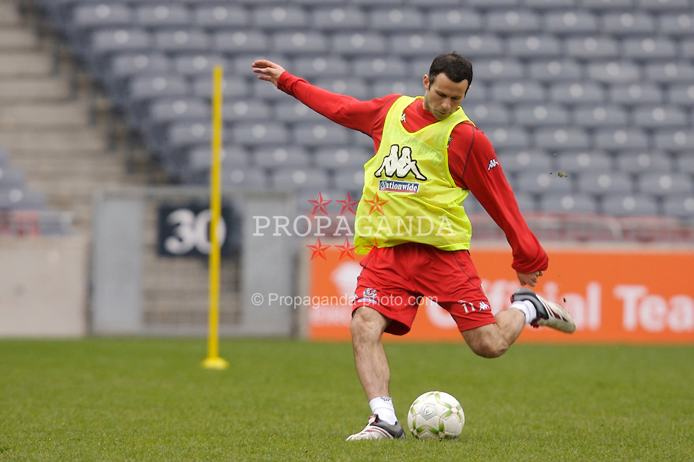 Dublin, Republic of Ireland - Friday, March 23, 2007: Wales' Ryan Giggs training at Croke Park ahead of the UEFA European Championship 2008 Group D qualifying match against the Republic of Ireland. (Pic by David Rawcliffe/Propaganda)
