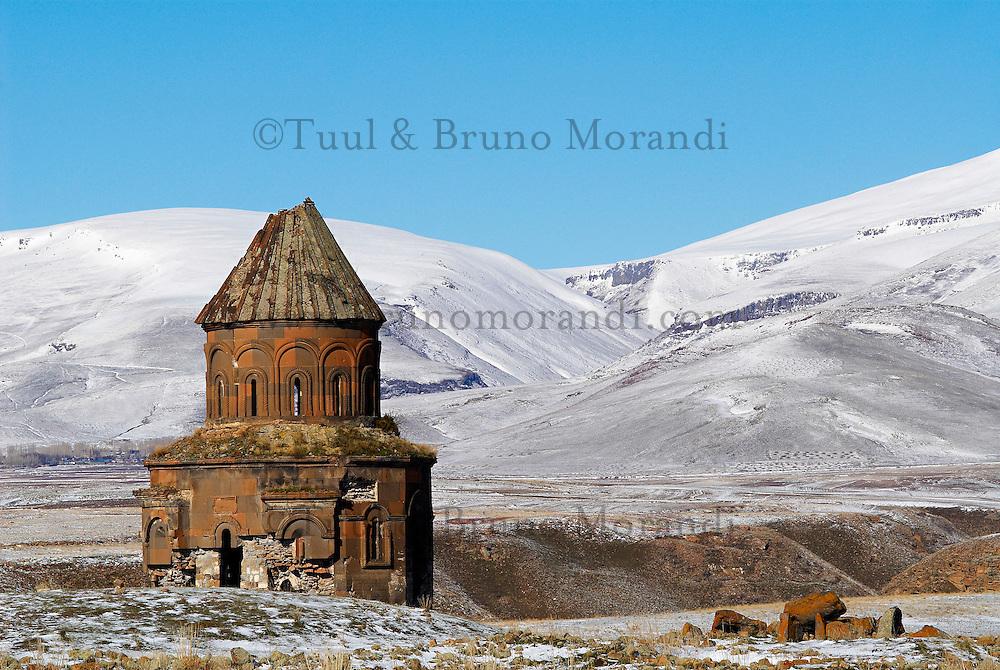 Turquie. Anatolie de l'Est. Kars. Ville morte d'Ani. Eglise Armenienne. // Turkey. East Anatolia Province. Kars. Dead city of Ani. Armenian church.