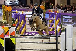 WOLF Cedric (GER), Louisville 5<br /> Frankfurt - Festhallen Reitturnier 2019<br /> Spielbank Wiesbaden Preis<br /> 2. Qualifikation Youngster Tour <br /> Int. Springprüfung (Fehler/ Zeit) für 7-8 jährige Pferde (1,40m)<br /> 21. Dezember 2019<br /> © www.sportfotos-lafrentz.de/Stefan Lafrentz