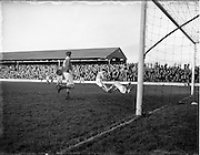 25/01/1953.01/25/1953.25 January 1953.League of Ireland at Milltown Park, Limerick City v Shamrock Rovers.