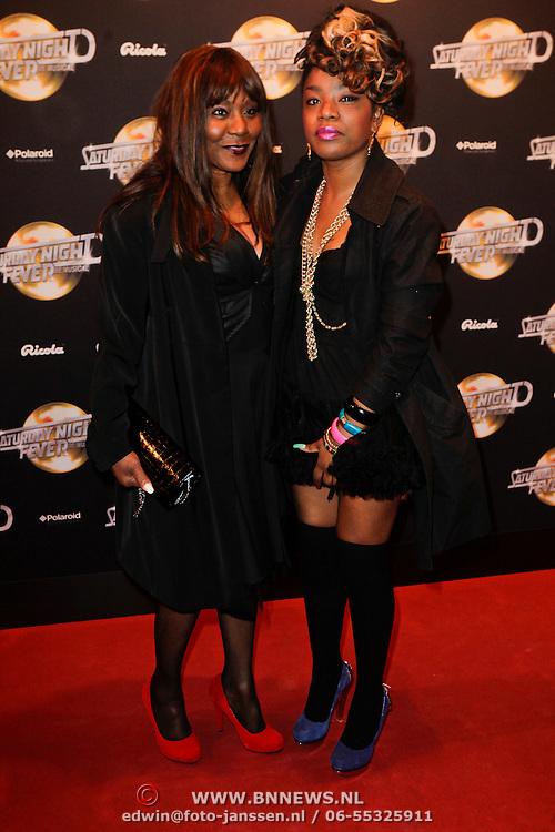 NLD/Amsterdam/20120217 - Premiere Saturday Night Fever, Jetty Weels en dochter