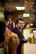 """Oscar Contardo es autor de """"Siútico: arribismo, abajismo y vida social en Chile"""" de """"Raro: una historia gay de Chile"""" y """"Santiago Capital"""" además de coautor de """"La era ochentera: tevé, pop y under en el Chile de los ochentas"""". Alguno de sus trabajos han sido incluidos en los libros Crónicas de carnaval (Fundación Nuevo Periodismo Iberoamericano, 2006); Crónicas de otro planeta (Random House, 2009); Las cien mejores crónicas de 2010 (Ocho libros, 2010) y Los Malditos (Ediciones UDP, 2011). En 2012 recibió el Premio Periodismo de Excelencia de la Universidad Alberto Hurtado en la categoría mejor crónica cultural y fue finalista al premio Altazor 2012 en la categoría Mejor Ensayo Literario por su libro Raro. Santiago, Chile. 08-07-2014 (©Alvaro de la Fuente/Triple)"""