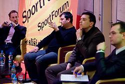 Goran Obrez (casopis Ekipa)na okrogli mizi na temo o vlogi medijev (predvsem televizije), pri popularizaciji in razvoju slovenskega nogometa v organizaciji SportForum Slovenija, Austria Trend Hotel, Ljubljana, 23. april 2009. (Photo by Vid Ponikvar / Sportida)