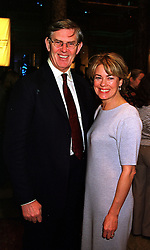 MR & MRS WILLIAM CASH at an award ceremony in London on 9th December 1999.MZX 57