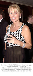 Social figure MRS EVA O'NEILL at a dinner in London on 29th November 2001.		OUS 14