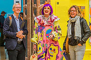 Grayson Perry chats happily in front of the works he curated Royal Academy celebrates its 250th Summer Exhibition, and to mark this momentous occasion, the exhibition is co-ordinated by Grayson Perry RA.
