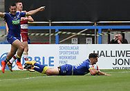 Declan Patton of Warrington Wolves scores the fourth try against Wigan Warriors during the Ladbrokes Challenge Cup, Quarter Final match at the Halliwell Jones Stadium, Warrington.<br /> Picture by Michael Sedgwick/Focus Images Ltd +44 7900 363072<br /> 02/06/2018