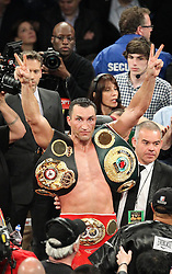 26.04.2015, Madison Square Garden, New York, USA, WBA, Wladimir Klitschko vs Bryant Jennings, im Bild alter und neuer Weltmeister im Boxen Schwergewicht Wladimir Klitschko mit seinen WM Guerteln // during IBF, WBO and WBA world heavyweight title boxing fight between Wladimir Klitschko of Ukraine and Bryant Jennings of the USA at the Madison Square Garden in New York, United Staates on 2015/04/26. EXPA Pictures © 2015, PhotoCredit: EXPA/ Eibner-Pressefoto/ Kolbert<br /> <br /> *****ATTENTION - OUT of GER*****