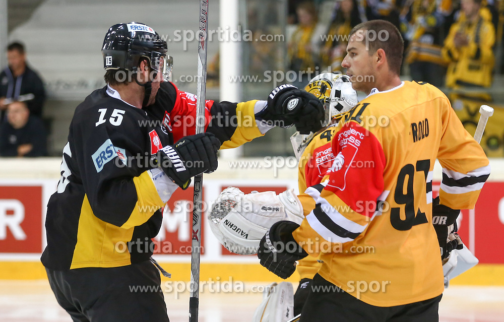 22.09.2015, Albert Schultz Halle, Wien, AUT, CHL, UPC Vienna Capitals vs HC Litvinov, K.O. Phase, im Bild Daniel Bois (Vienna Capitals) und Tomas Frolo (HC Litvinov) // during the Champions Hockey League Round of 32 match between UPC Vienna Capitals and HC Litvinov at the Albert Schultz Arena, Vienna, Austria on 2015/09/22. EXPA Pictures © 2015, PhotoCredit: EXPA/ Alexander Forst