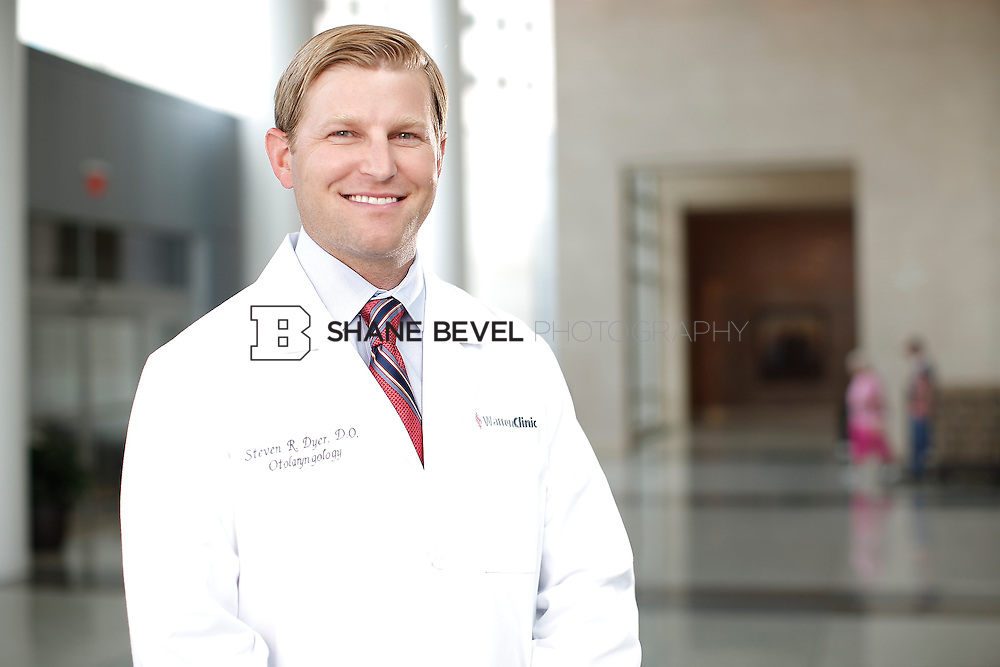 7/22/15 3:22:45 PM -- Dr. Steven Dyer poses for a portrait. <br /> <br /> Photo by Shane Bevel
