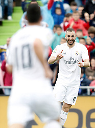 16.04.2016, Estadio Coliseum Alfonso Perez, Getafe, ESP, Primera Division, Getafe CF vs Real Madrid, 33. Runde, im Bild Real Madrid's Karim Benzema (r) and James Rodriguez celebrate goal // during the Spanish Primera Division 33th round match between Getafe CF and Real Madrid at the Estadio Coliseum Alfonso Perez in Getafe, Spain on 2016/04/16. EXPA Pictures © 2016, PhotoCredit: EXPA/ Alterphotos/ Acero<br /> <br /> *****ATTENTION - OUT of ESP, SUI*****