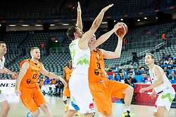 08-09-2015 CRO: FIBA Europe Eurobasket 2015 Slovenie - Nederland, Zagreb<br /> De Nederlandse basketballers hebben de kans om doorgang naar de knockoutfase op het EK basketbal te bereiken laten liggen. In een spannende wedstrijd werd nipt verloren van Slovenië: 81-74 / Sasa Zagorac of Slovenia vs Robin Smeulders of Netherlands. Photo by Vid Ponikvar / RHF
