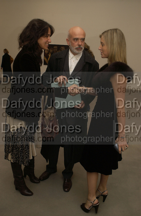 COCO BRANDOLINI, FRANCESCO CLEMENTE AND VALENTINA CASTELLANI.  SELF PORTRAITS BY Francesco Clemente. Gagosian Gallery. Britannia St. Kings X. London.  7 December  2005.ONE TIME USE ONLY - DO NOT ARCHIVE  © Copyright Photograph by Dafydd Jones 66 Stockwell Park Rd. London SW9 0DA Tel 020 7733 0108 www.dafjones.com