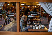 Buenos Aires, Argentina...Imagens da cidade de Buenos Aires, capital da Argentina. Cafe na regiao da Recoleta...The Buenos Aires city. In this photo, the coffee store in the Recoleta region...Foto: JOAO MARCOS ROSA / NITRO