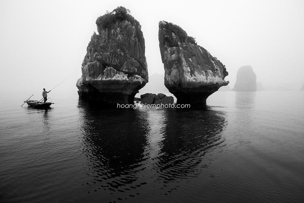 Vietnam Images-Halong bay-seascape-Vietnam heritage