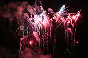 Mannheim. 29.07.17 | ID 064 |<br /> Maimarktgel&auml;nde. Pyrogames. Feuerwerker in vier Teams z&uuml;nden ihre Feuerwerkchoreografien ab und lassen sich vom Publikum bewerten. <br /> <br /> Bild: Markus Pro&szlig;witz 29JUL17 / masterpress